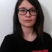 Female Student, Bekesian, seeking flatmate in London, United Kingdom