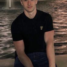 Male Professional, Tom, seeking flatmate