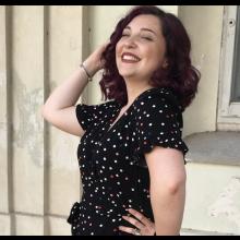 Female Professional, Giulia, seeking flatmate