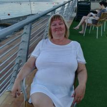 Female Professional, Georgina collins, seeking flatmate in Dover