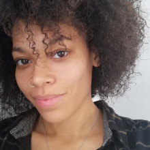 Female Professional, Emma, seeking flatmate in London