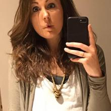 Female Professional, HannahParker, seeking flatmate