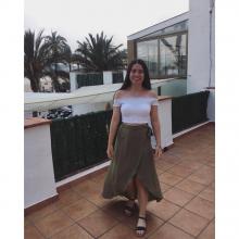 Female Professional, CarolineJones, seeking flatmate
