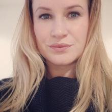 Female Professional, BonnyBonbonz, seeking flatmate