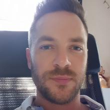 Male Professional, BenjaminDorogi, seeking flatmate