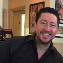 Male Professional, Steve, seeking flatmate in Sidcup