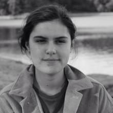 Female Professional, Chloe Nemo, seeking flatmate in South Hackney