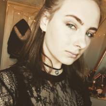Female Student seeking roomshare in Guildford