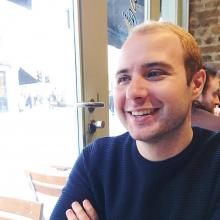 Male Professional, Adrian, seeking flatmate in Finsbury Park