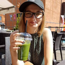Female Professional, Zuzanna, seeking flatmate in Manchester