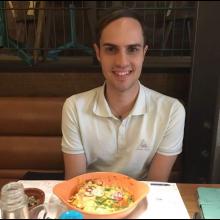 Male Professional, Dave, seeking flatmate in London, United Kingdom