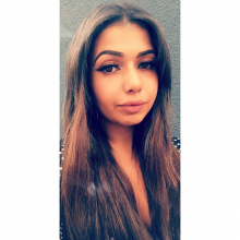 Female Professional, YasminElabid, seeking flatmate in London