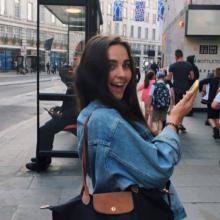 Female Freelancer/self employed, Kezia, seeking flatmate
