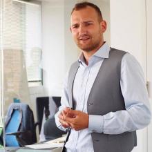 Male Freelancer/self employed, AndrewMarin, seeking flatmate