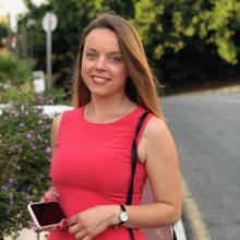 Female Professional, Edyta, seeking flatmate in London