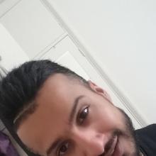 Male Professional, Majid, seeking flatmate in East London
