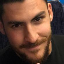 Male Professional, Scott, seeking flatmate in South London