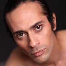 Male Professional, Rodolfo, seeking flatmate
