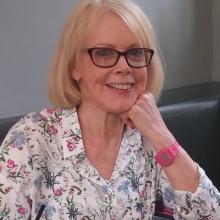 Female Freelancer/self employed, Denise brownlow, seeking flatmate