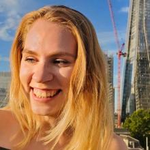 Female Professional, Karolina, seeking flatmate in Zone 1