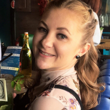 Female Professional, Ellie, seeking flatmate in North London