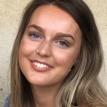 Female Student, Ruth, seeking flatmate in Manchester