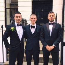 Male Professional, OliverSalisbury, seeking flatmate in Clapham