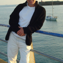 Male Professional, Paul drake, seeking flatmate in South London