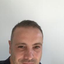 Male Professional, Jonathan, seeking flatmate in Altrincham