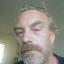 Male Professional, Ernie, seeking flatmate in Haywards Heath