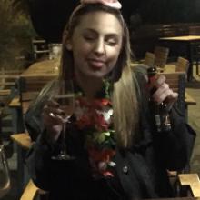 Female Student, Jordan, seeking flatmate