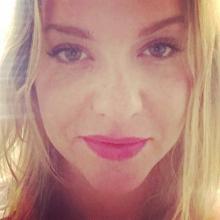 Female Professional, JillyGoodwin, seeking flatmate in West London