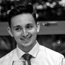 Male Professional, Nick, seeking flatmate in Islington