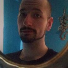 Male Professional, Luke, seeking flatmate in SE20