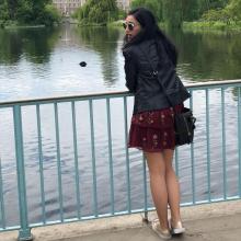 Female Professional, BeaÁlvarez, seeking flatmate in West London