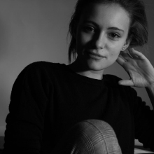 Female Professional, Valeria, seeking flatmate in London