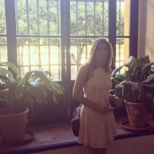 Female Professional, Elena, seeking flatmate in Bromsgrove