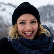 Female Professional, Lauriane, seeking flatmate