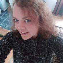 Female Professional, KellyRyan, seeking flatmate in Epsom