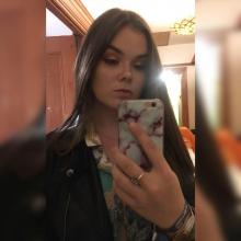 Female Professional, Sarah Howcroft-Scott, seeking flatmate in London