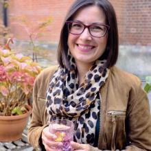 Female Freelancer/self employed, Debbie, seeking flatmate