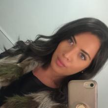 Female Professional, Amber, seeking flatmate