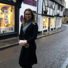 Female Professional seeking roomshare in West London