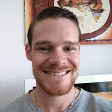 Male Professional, Jake, seeking flatmate in Shepherd's Bush