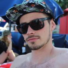 Male Professional, Kyle, seeking flatmate