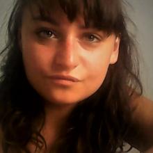 Female Professional, Sabrina, seeking flatmate in London
