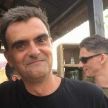 Male Freelancer/self employed, Laurent, seeking flatmate in Zone 1