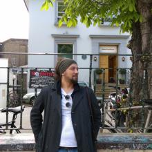 Male Freelancer/self employed, Canay, seeking flatmate in London