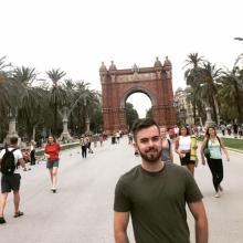 Male Professional, Kieran, seeking flatmate in London