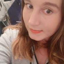 Female Professional, Monica, seeking flatmate in Weston-super-Mare